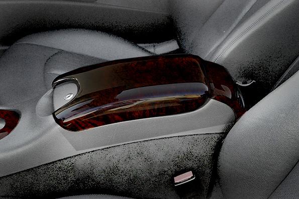 Ξύλινη επένδυση βραχιονίου Ashtree black / Esche dunkel για Mercedes Benz CLK W209